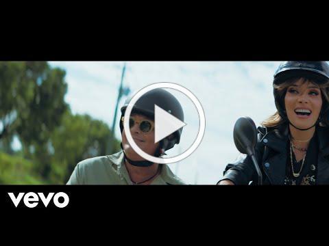 Kany García, Carlos Vives - Búscame (Official Video)