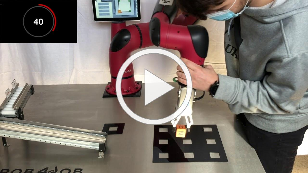 Programming a collaborative robot under one minute