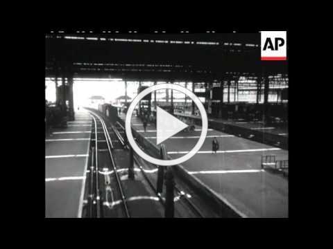 STEAM TRAINS - 1940'S - B/W