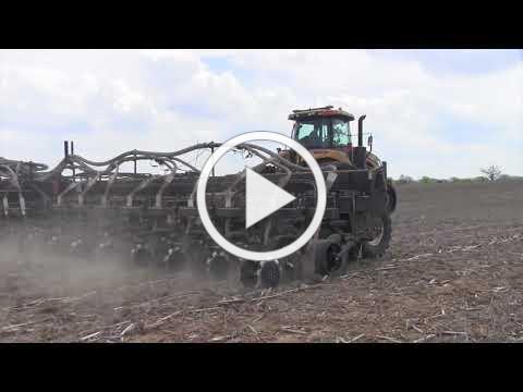 Yetter 10000 Dry Fertilizer App. Fennig Equipment