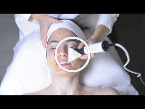 What is the OxyGeneo 3 in 1 Super Facial?