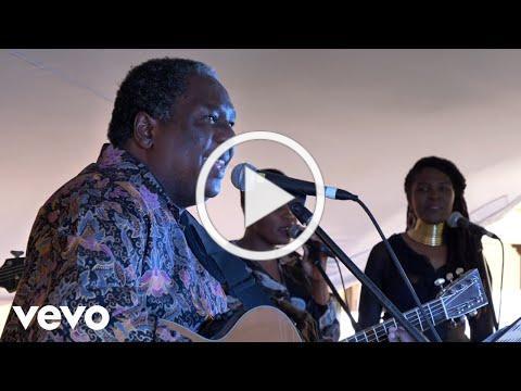 Vusi Mahlasela - Shebeen Queen (Live)
