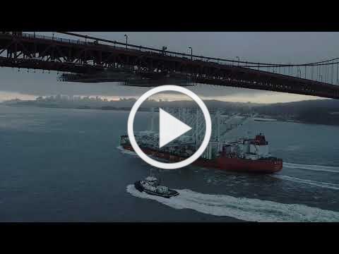 Oakland's New Port Cranes Sail into San Francisco Bay