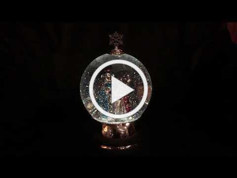 Shimmer Snowman in Globe