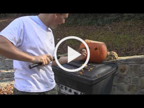 Woodsmonkey Halloween Special: Carving pumpkins with swords - Hanwei Banshee