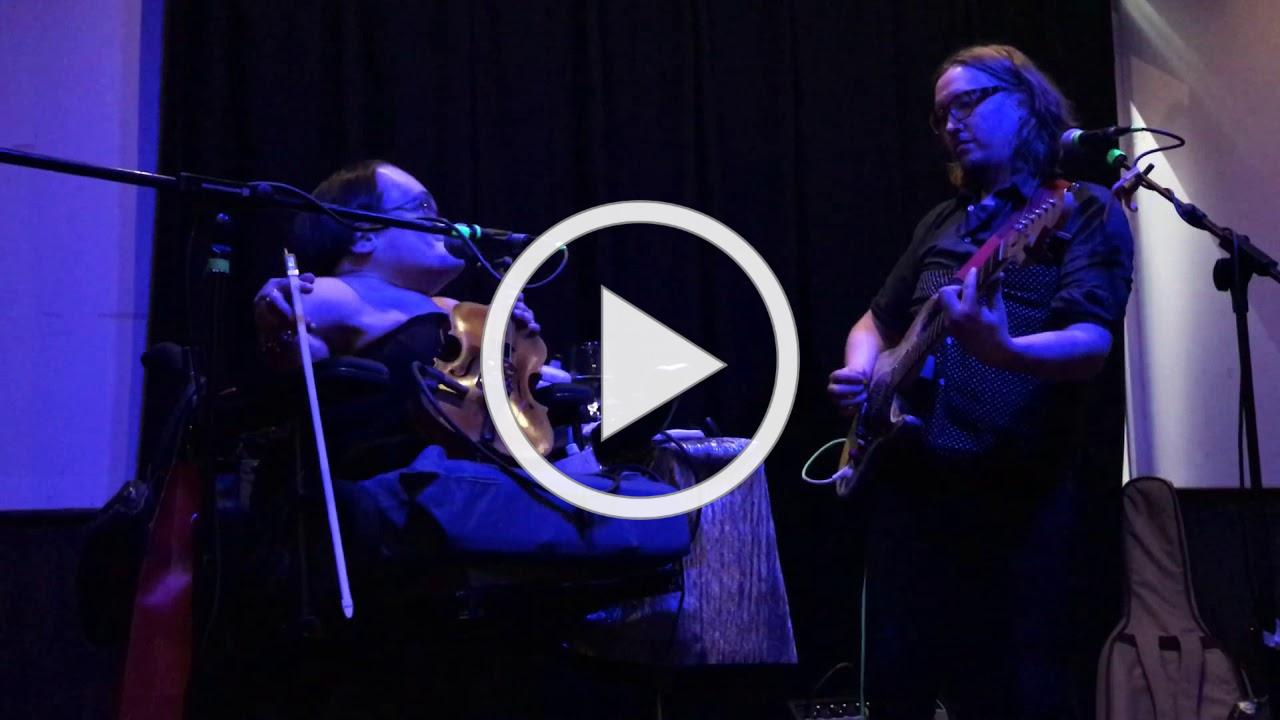 """Gaelynn Lea """"In the Bleak Midwinter"""" live in Manchester"""