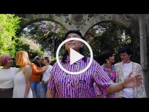 RENEE GOUST - UN BESO EN LA ALAMEDA