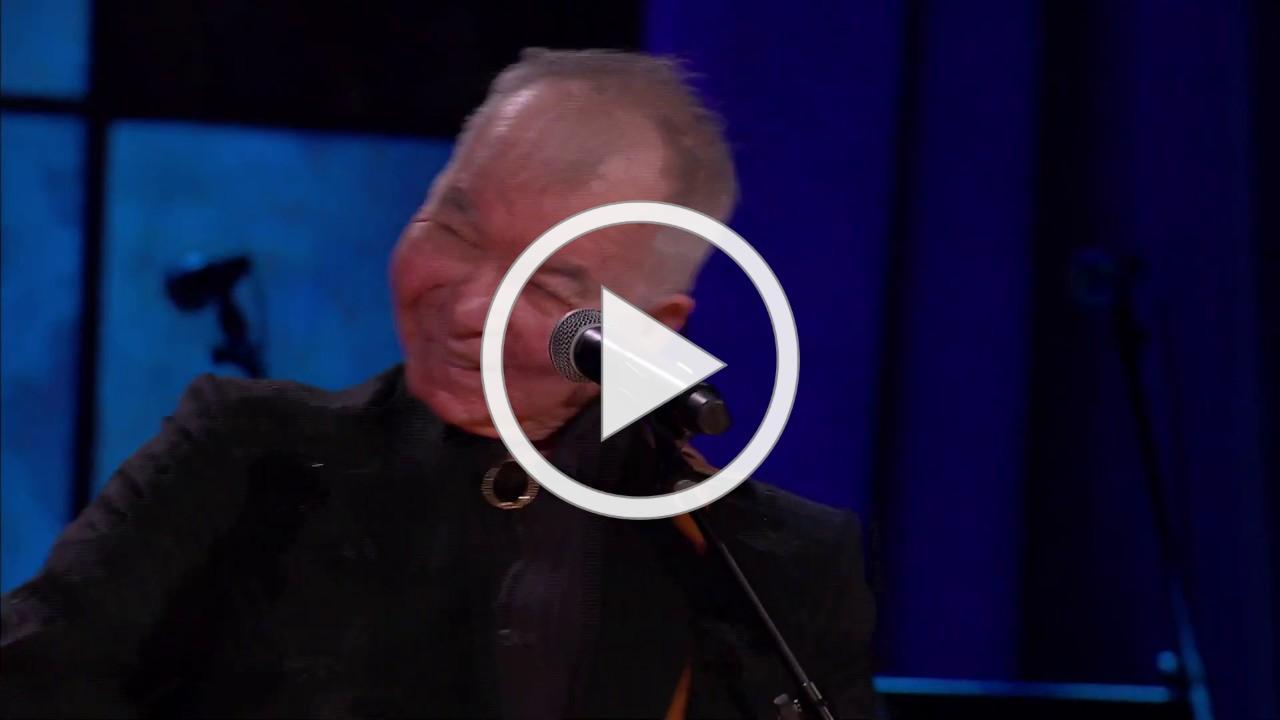 "Bonnie Raitt & John Prine ""Angel From Montgomery""   ACL Presents: Americana 18th Annual Honors"