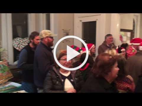 Mistletoe and Margaritas Flash Mob