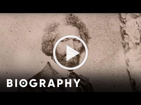 Frederick Douglass - Mini Bio