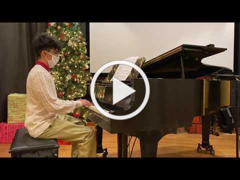 Carlos Guardado plays Jingle Bells