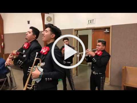 Posada: Mariachi group performs
