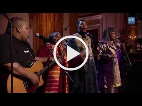 "The Freedom Singers ""Ain't Gonna Let No Body Turn Me 'Round"" 