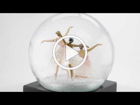 Cool Snow Globes Schneekugel Three Dancers
