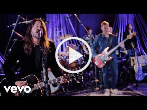 Foo Fighters - Waiting On A War (From The Tonight Show Starring Jimmy Fallon)