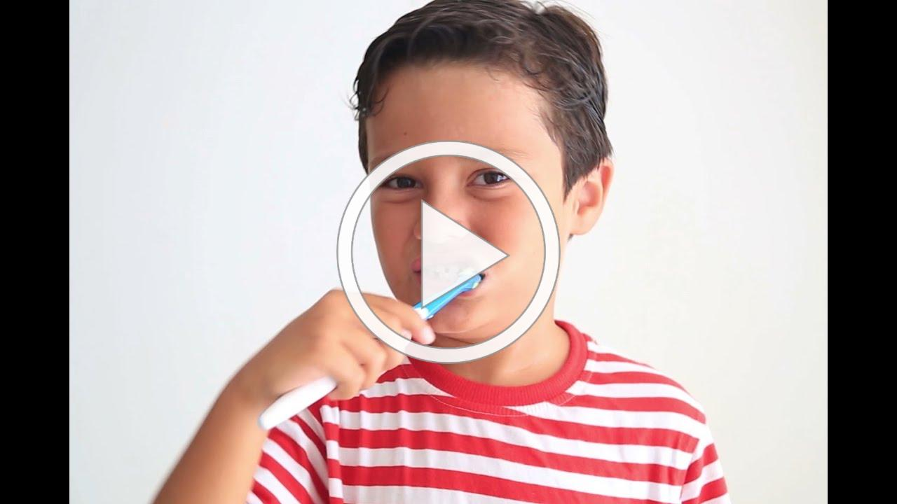 How to Teach Your Child to Brush His Teeth