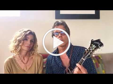 Kevin Bacon and Kyra Sedgwick sings Quando Quando Quando (Covid 19)