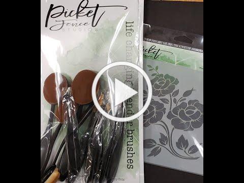 Life Changing Brushes Bonus Pack & Memory Box Holly Frame Demo