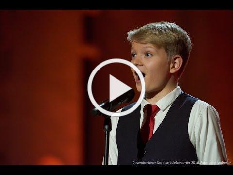 Laudate Dominum (Mozart)   boy soprano Aksel Rykkvin (13 years)