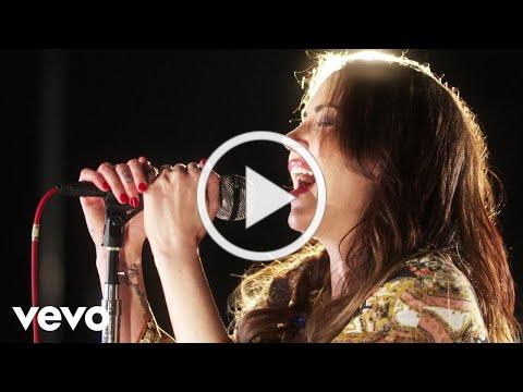 Awesome voice and performance- plus she's hot! :) Dorothy - Flawless (From Capitol Studios)