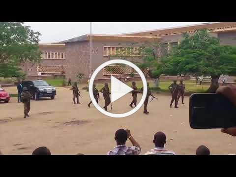 Peaceful Churchgoers Stand Courageously Against Congolese Soldiers With Weapons Drawn - Dec 31, 2017
