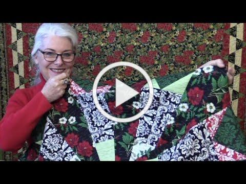 Free Pattern for a Christmas Tree Skirt/ Round Tablecloth